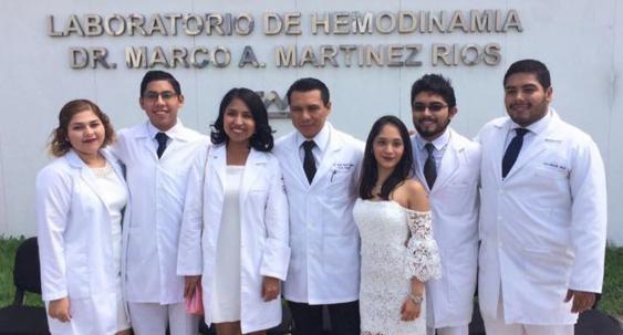Finalizan su año de Internado Rotatorio en México y España.jpg