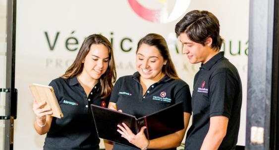Participan en Seminario Internacional en España y Portugal.jpg