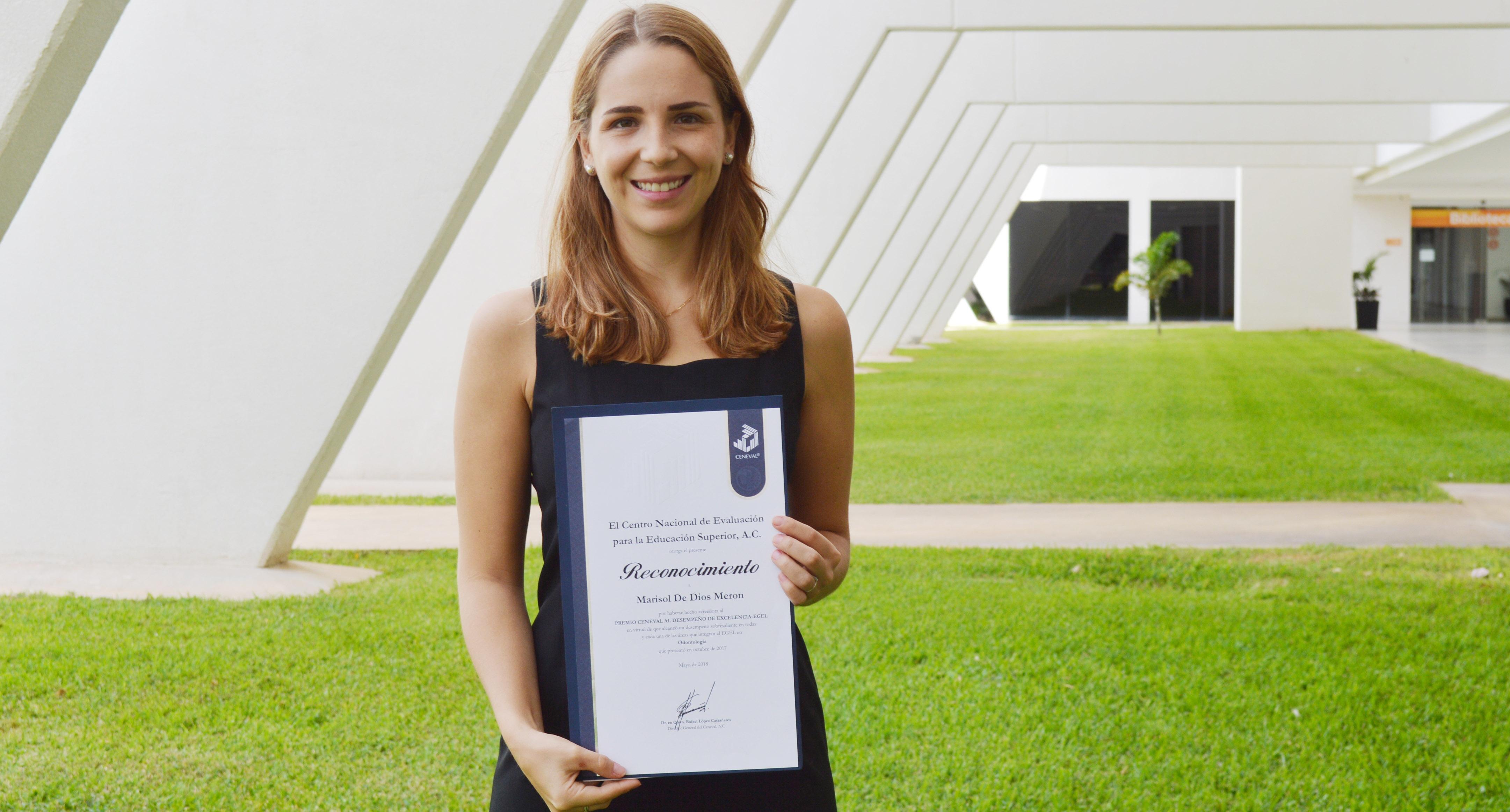 Marisol De Dios, premio CENEVAL