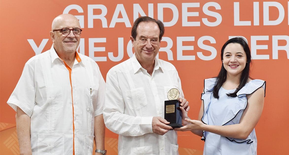 Dr. Antonio Castaño, Premio Internacional ASUA