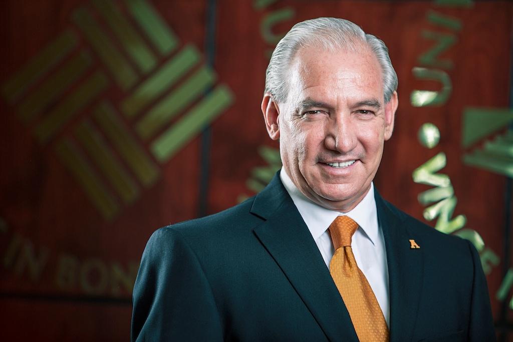Rector Ing. Miguel Pérez Gómez